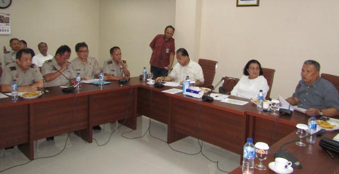 Rapat dipimpin Wakil Ketua Komisi 3, Amir Liputo