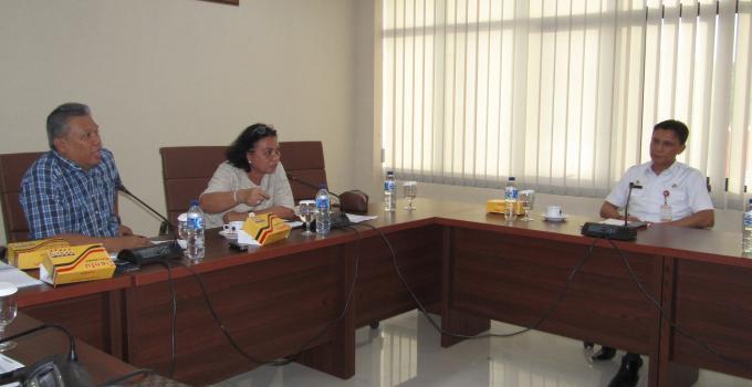 Ketua Komisi 3 Adriana Dondokambey menerangkan