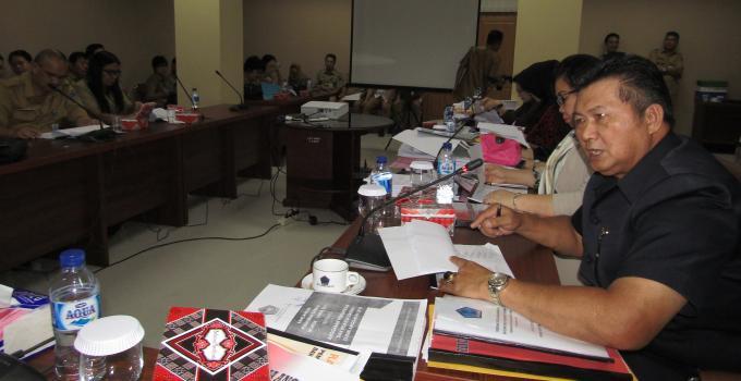 Herry Tombeng di rapat pembahasan Ranperda APBD Sulut tahun 2018