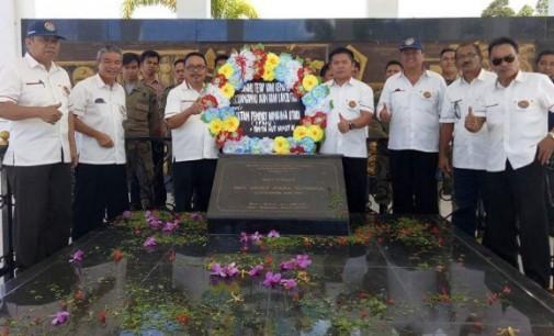 IPMU Ziarah ke Makam Pendiri Minahasa Utara