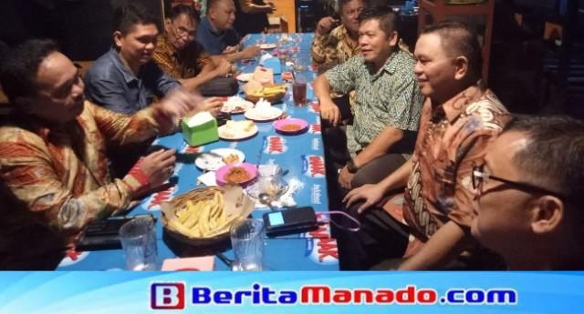 Diskusi IPMU bersama Wabup Minut Ir Joppi Lengkong, akademisi Prof Dr Ir Berty Sompie MIng dan pemerhati politik dan pemerintahan Taufik Tumbelaka.