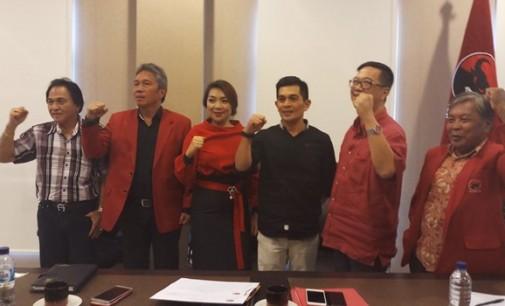 NOFITA REWAH Serahkan Curriculum Vitae ke Sekretariat PDIP Sulut