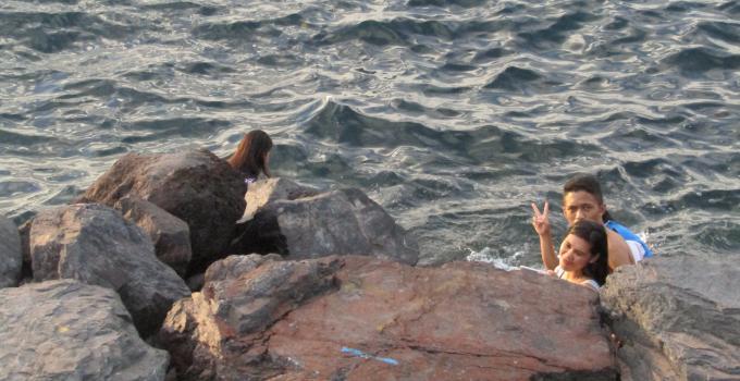 Pantai Manado ditimbun menjadi laut