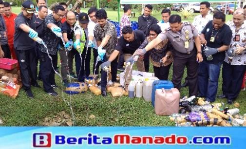 Ratusan Liter Miras Dan Prohibited Items Lainnya Dimusnahkan di Bandara Sam Ratulangi