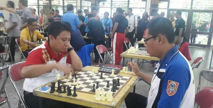Salah satu atlit catur Sulut Frangky Manumpil