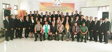 Foto bersama Komisoner Bawaslu Sulut dan Panwaslu Mitra dengan Panwascam se-Mitra