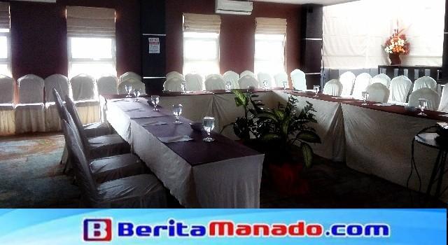 Ruang rapat Pinaesaan JLe's Hotel Manado