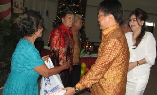 Ibadah Pra Natal Keluarga Besar DPRD Sulut, Ini Pesan ANDREI ANGOUW