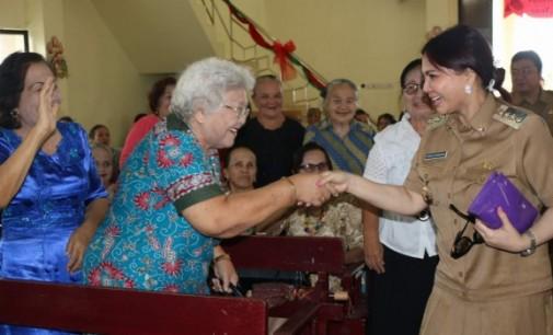 SAFARI NATAL: Bupati VONNIE PANAMBUNAN Disambut Antusias Warga di Kauditan