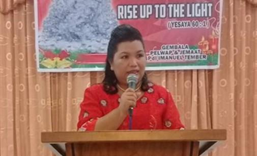 JEANNE SUMENDAP Hadiri Ibadah Pra Natal di GPdI Immanuel Tember