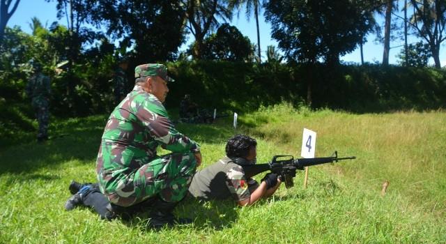 Latihan menembak Korem 131/Santiago