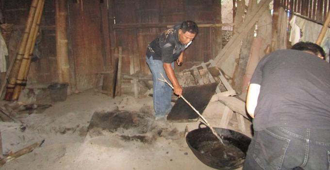 Pencarian jasad kepala korban yang dibakar dalam tungku pembakaran
