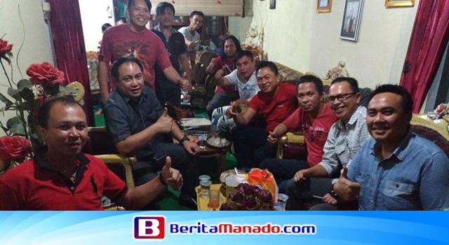 Careig Naichel Runtu bersama teman seangkatan alumni SMP Katolik Gonzaga Tomohon