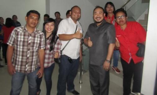 Menarik !!! EDWIN LONTOH Sudah Hadir di Paripurna DPRD Sulut