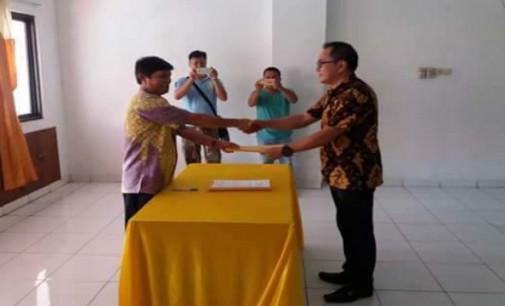 Terima SK Bupati, Roy Mandey Pimpin Kominfo Minsel