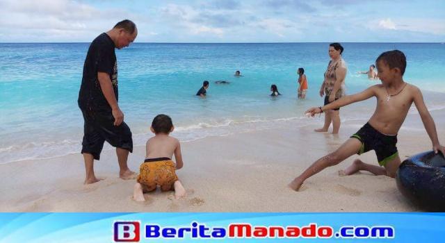 Pantai Pall yang indah, dicintai dari anak kecil hingga dewasa.