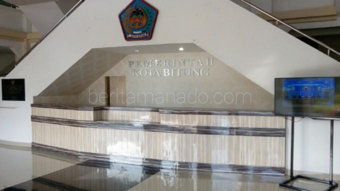 Beginilah tapilan loby kantor Wali kota Bitung saat ini