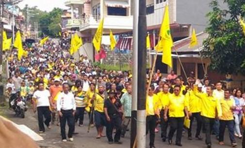 Massa Beringin Dampingi Pendaftaran RONALD TAKARENDEHANG dan RODOLF PARERA