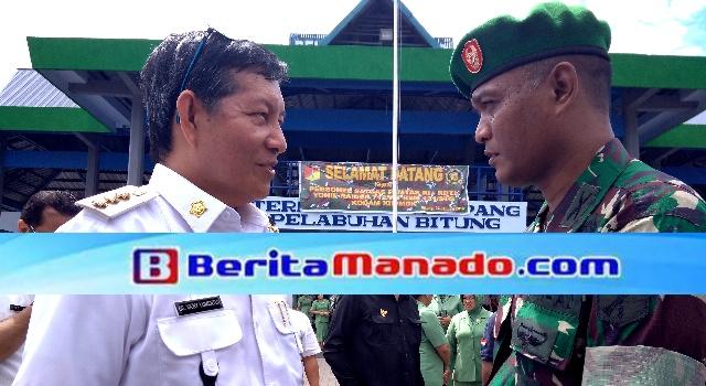 Vicky Lumentut dan Dandim 1309/Manado Letkol Inf Arif Harianto