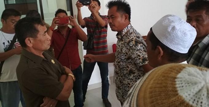 Aspirasi masyarakat diterima Ketua Komisi 1 DPRD Sulut, Ferdinand Mewengkang