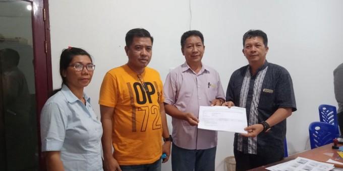 Sejumlah pengurus Partai Hanura Kota Bitung saat mendatangi KPU