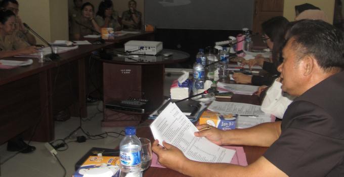 Herry Tombeng di rapat Komisi 4 bersama Dinsos Sulut