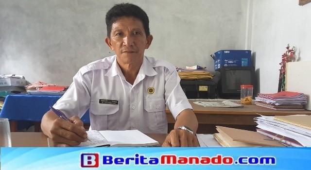 Kepala SD GMIM 54 Kuwil Arnoldus Kamagi.