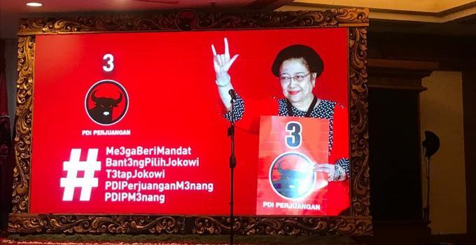 Salam Metal dari Ketua Umum PDI-Perjuangan, Megawati Soekarno Putri