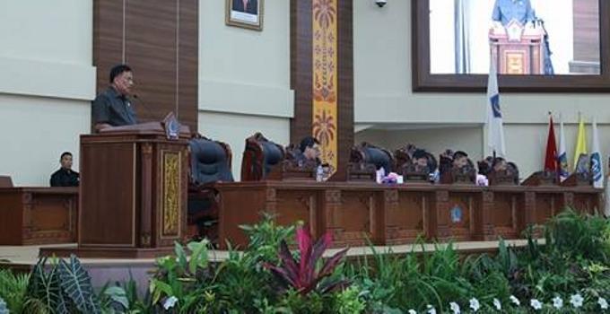 Rapat paripurna DPRD Sulut