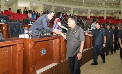 Rapat Paripurna DPRD Sulut, Pemandangan Umum F-PG Dibacakan RASKI MOKODOMPIT