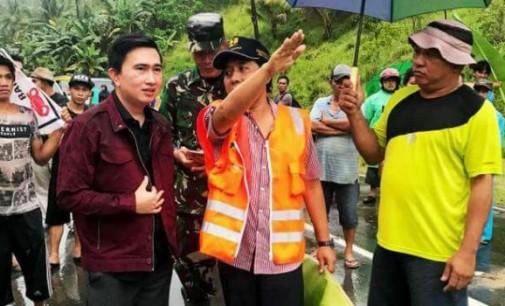 Sempat Meninjau Lokasi Longsor di Trans Sulawesi, ROCKY WOWOR Sarankan Masyarakat Melakukan Perjalanan di Siang Hari