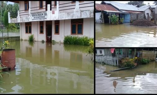 Diguyur Hujan Berjam-jam, Puluhan Rumah di Mitra Tergenang Air