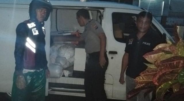 Cap tikus diamankan dari dalam sebuah mobil di Pelabuna Feri Likupang Barat.
