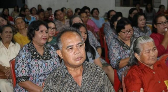Perayaan HUT Desa Kolongan dihadiri ratusan masyarakat.