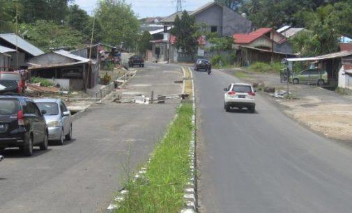 Pembebasan Lahan Jalan Maengket Terangkat di Reses Andrei Angouw