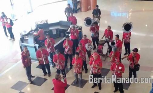 Musik Bambu Klarinet Siap Sambut Kedatangan Jusuf Kalla di Mantos