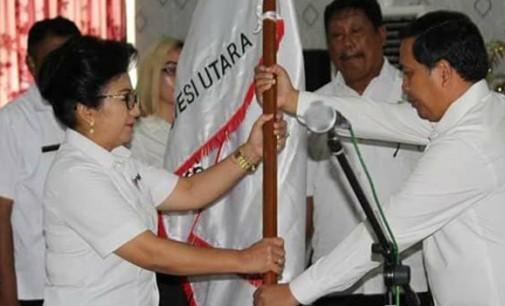 JAMES KARINDA Lantik Hermin Ririswati Gaghana Sebagai Ketua PMI Sangihe