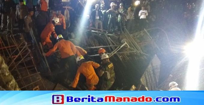 Proses evakuasi korban Sugeng Pranoto.