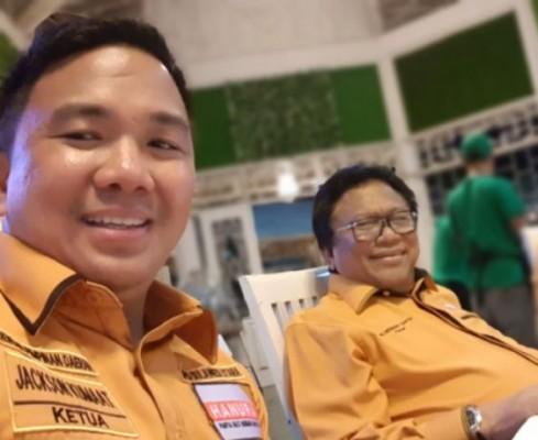 Ketua DPP Hanura Oesman Sapta Odang (OSO) dan Jackson Kumaat Ketua Hanura Sulut.