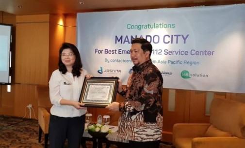Wakili WALI KOTA MANADO, WAWALI MOR BASTIAAN Terima Penghargaan Call Centre Asia Tenggara