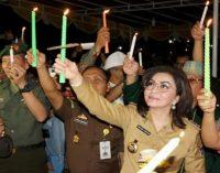 Aksi Sejuta Lilin di Minsel, Bupati TETTY PARUNTU: Aktifkan Kembali Pos Kamling