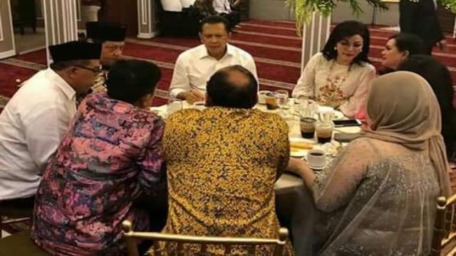 Bupati Tetty Paruntu Dalam Buka Puasa Bersama di Kediaman Airlngga Hartarto