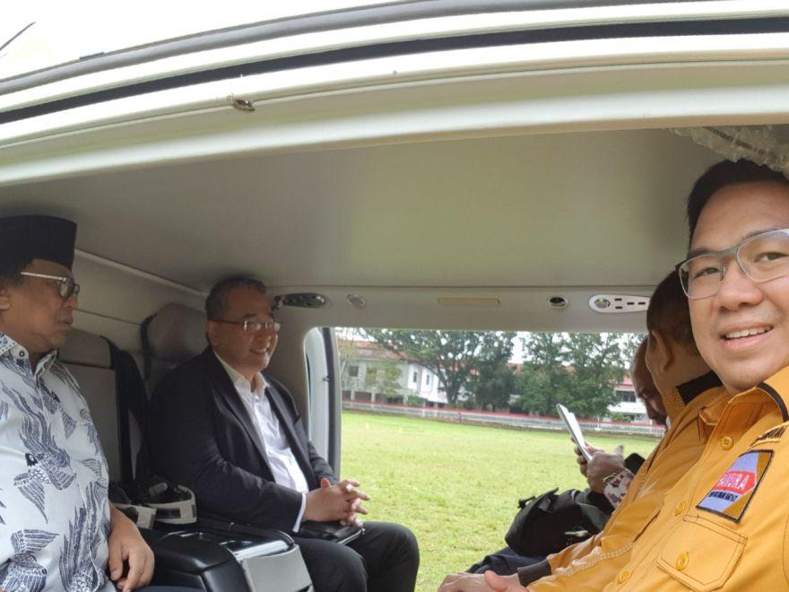 Jackson Kumaat saat mendampingi Ketum OSO ketika berkunjung ke Sulut.