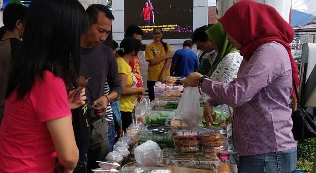 Pasar Takjil Ramadhan di itCenter Manado