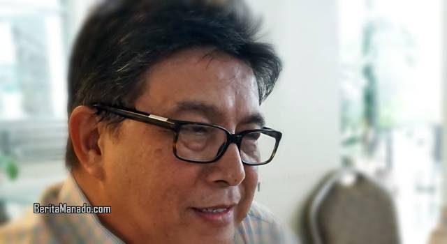 Dr ML Denny Tewu SE MM