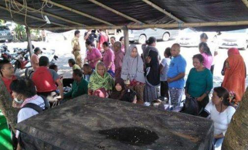 Polres Minut Berikan Pengobatan Gratis di Desa Likupang II