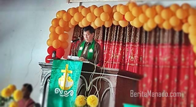 Pnt Vicky Lumentut Khadim di jemaat GMIM Imanuel kahuku wilayah BANGKA