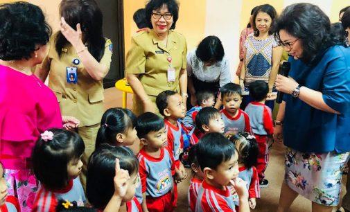 Bunda RITA TAMUNTUAN Sambut Anak-anak PAUD Walanda Maramis