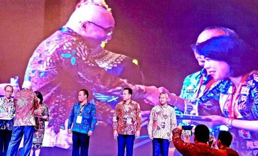 Pemprov Sulut Terima Penghargaan BKN Award
