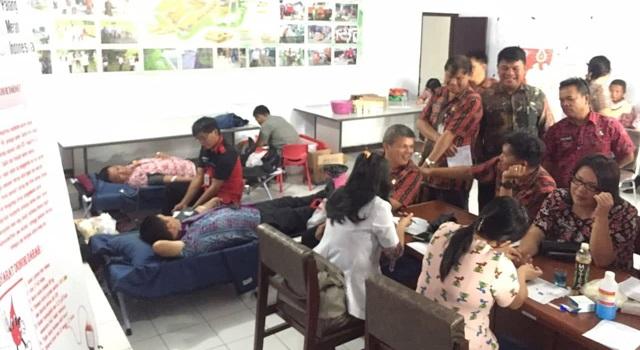 Kegiatan Donor Darah PMISulut di Pemkab Minahasa